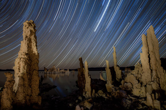 BRR200047S © Stocktrek Images, Inc. Tufa formations at Mono Lake, California.