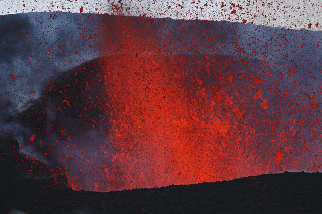 MRE100082S © Stocktrek Images, Inc. Fimmvorduhals eruption, lava fountains, Eyjafjallajokull, Iceland.