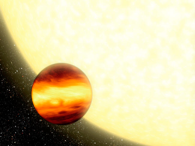 STK201442S © Stocktrek Images, Inc. A gas-giant planet orbiting very close to its parent star.