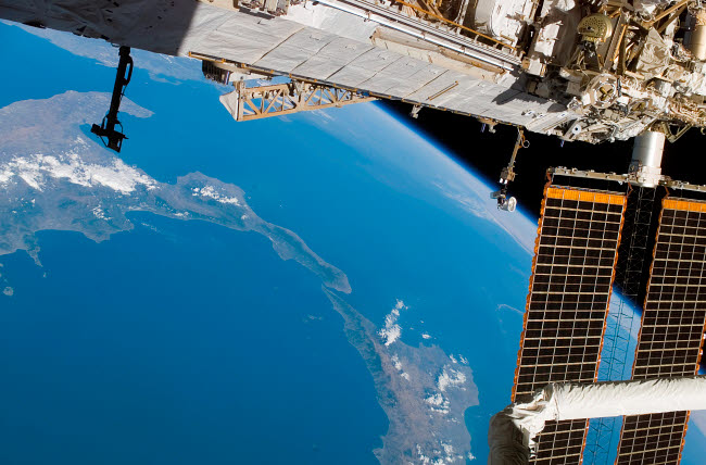 STK201581S © Stocktrek Images, Inc. International Space Station