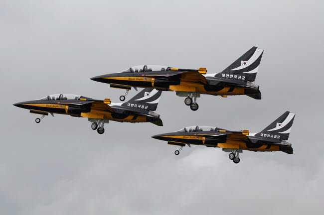 ZDN100101M © Stocktrek Images, Inc. T-50 Golden Eagles from the Republic of Korea Air Force Aerobatic Team.