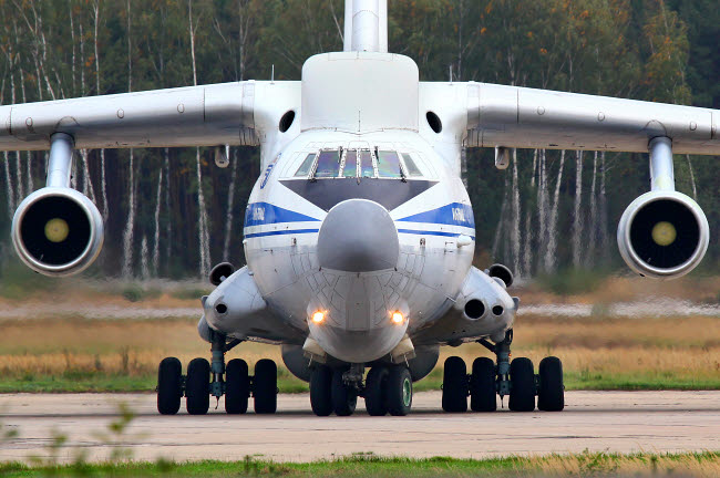 ANK100032M © Stocktrek Images, Inc. IL-82 flying command post of the Russian Air Force taxiing.