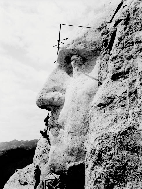 JPA101059M © Stocktrek Images, Inc. Construction of George Washington's face on Mount Rushmore, 1932.